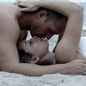 couple-beach300