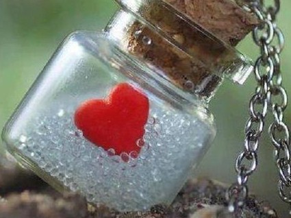heart-bottle-love-midalion-Favim.com-470983